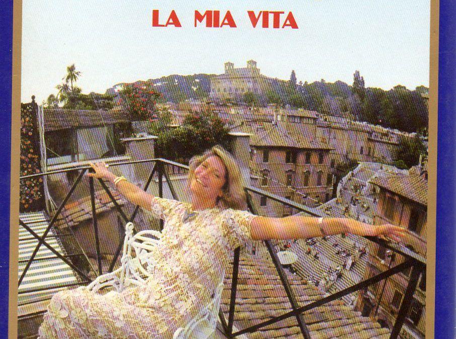 Una finestra su Piazza di Spagna – La mia vita, di Marta Marzotto