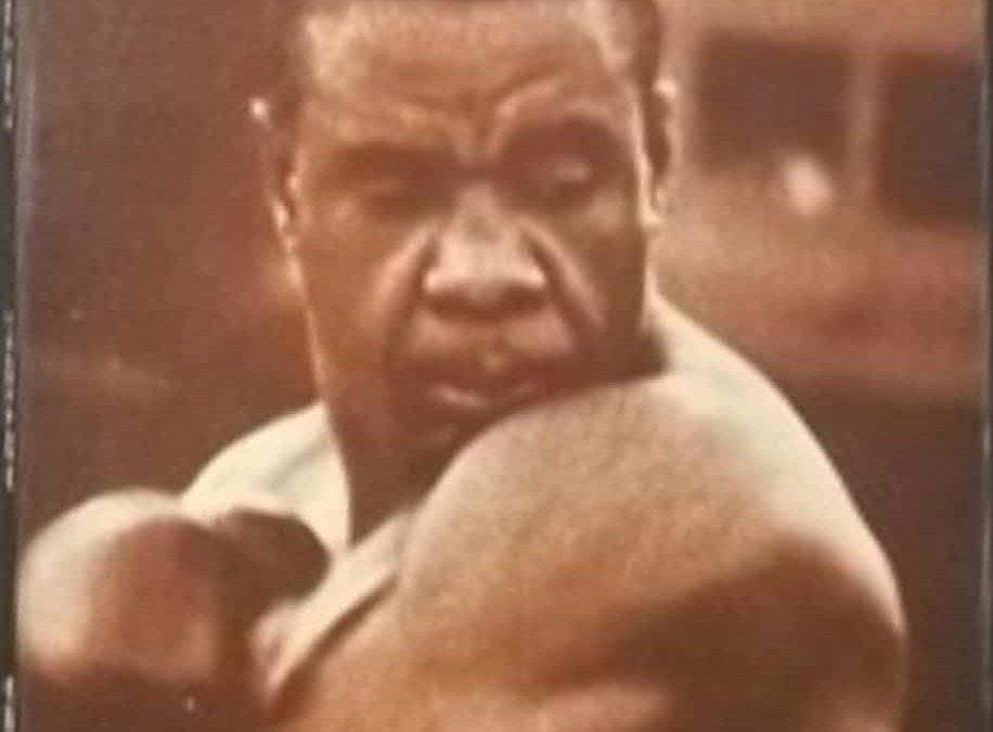 """…su eBay c'è """"Liston: mafia e Clay"""" di Lamberto Artioli, raro libro di boxe"""