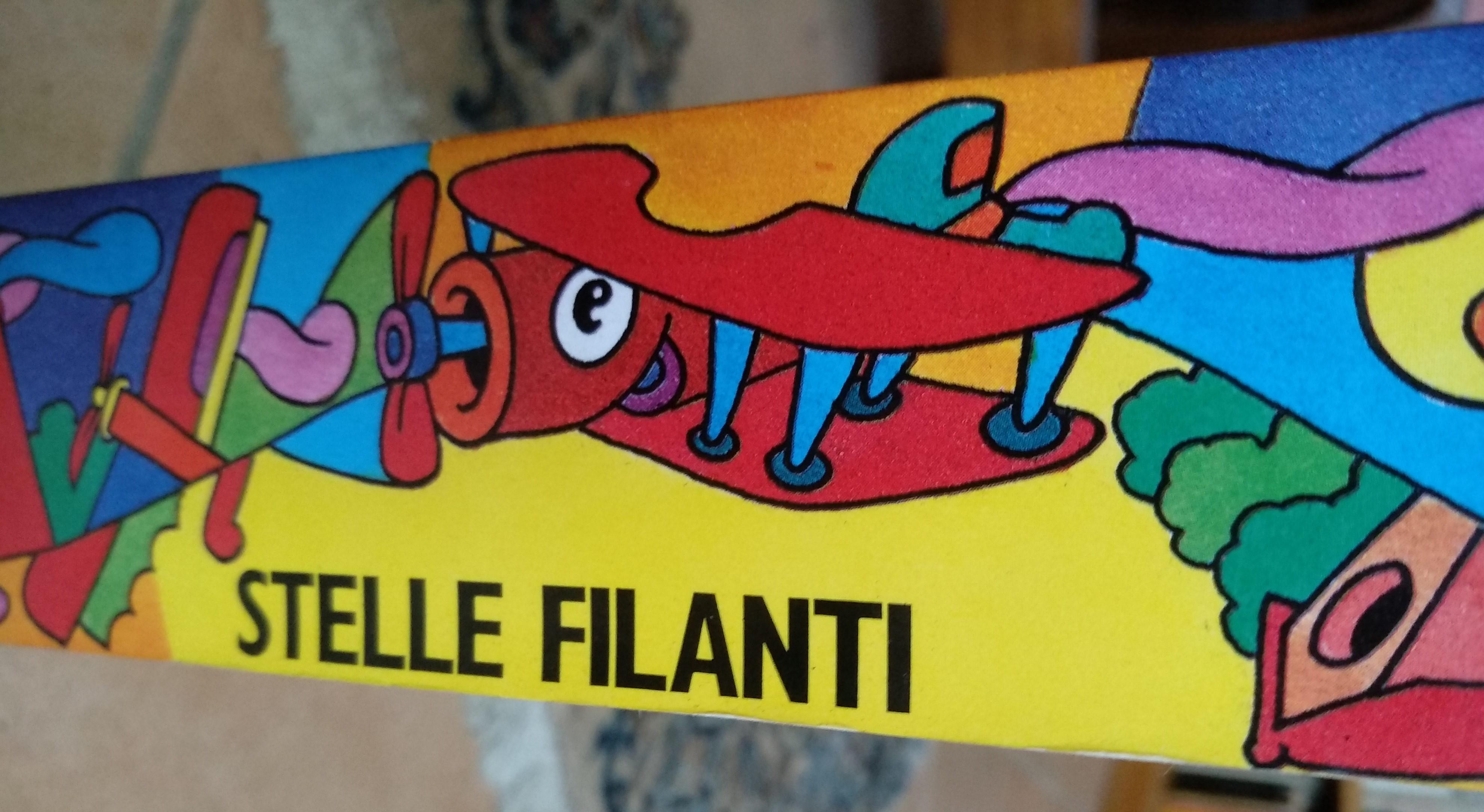 """""""Stelle filanti"""": un libro d'artista alto 41 e largo 5 cm, con Pablo Echaurren niente è impossibile!"""