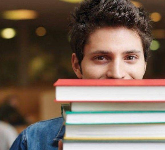 """Consigli per i librai: """"come riconoscere un cacciatore di libri"""" e neutralizzarlo!"""