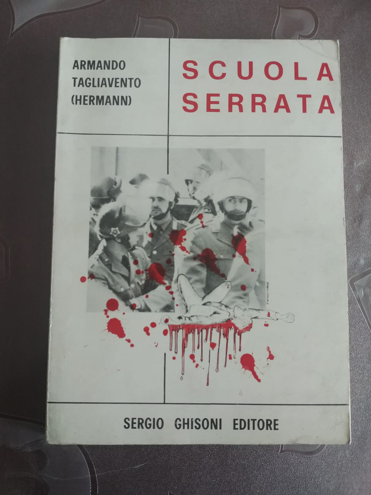 """""""Scuola serrata"""" di Armando Tagliavento: un insolito '68"""