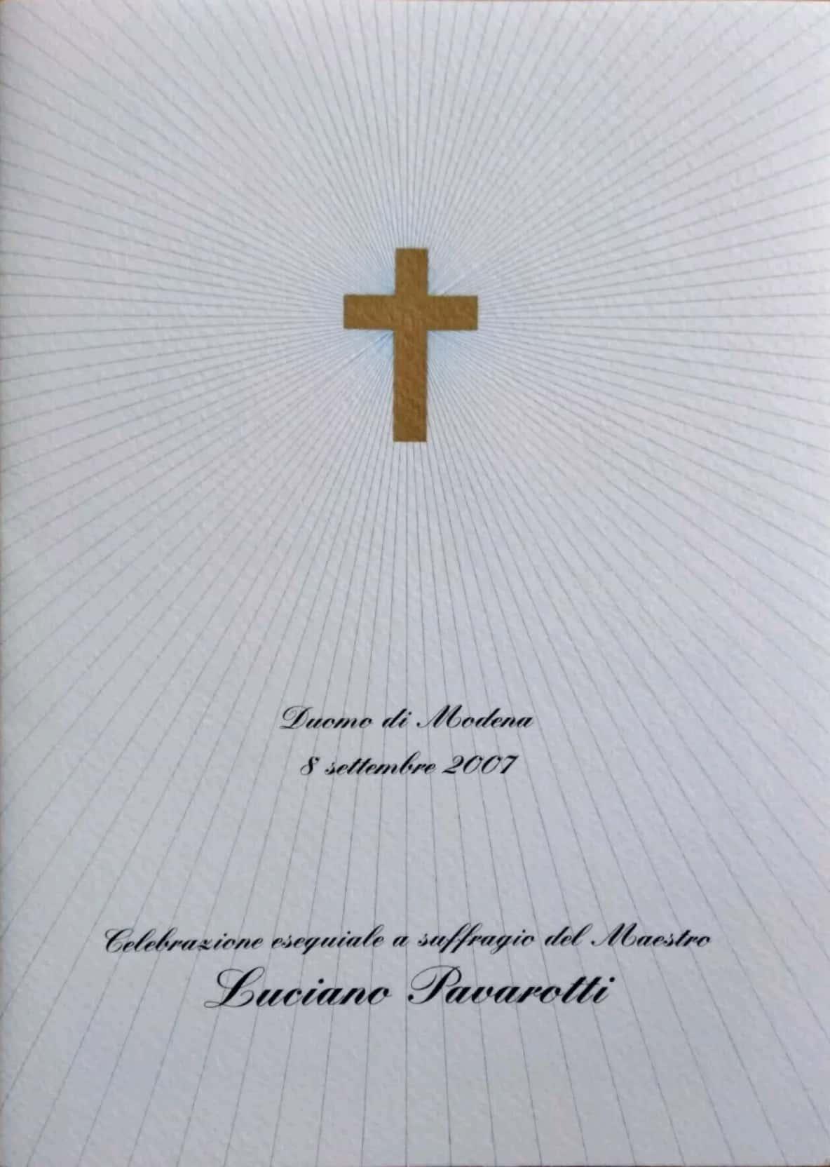 Su eBay c'è il libretto del funerale di Luciano Pavarotti: ma è bibliofilia?