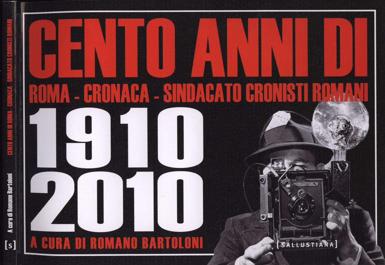 """Libro fotografico """"Cento anni di Roma"""" a 2 € in bancarella"""