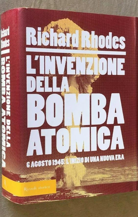"""""""L'invenzione della bomba atomica"""" di Richard Rhodes in bancarella"""