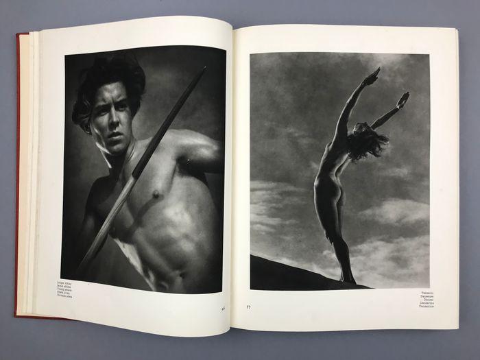 """""""Schönheit im Olympischen Kampf"""" (1937), di Leni Riefenstahl: una leggenda in asta!"""