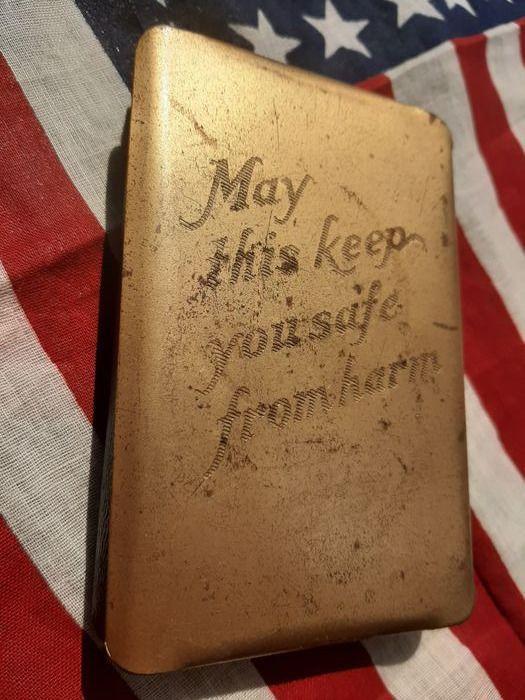 Bibbia con copertina anti-proiettile della seconda guerra mondiale