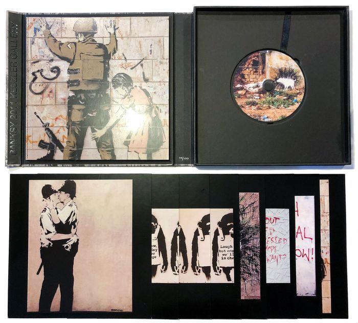 L'introvabile catalogo (100 copie) della mostra non autorizzata di Banksy: quando le sue opere vennero fatte a pezzi e portate via!