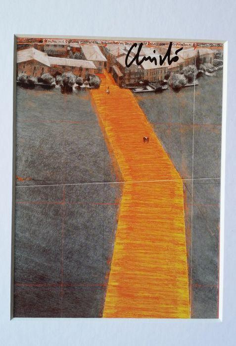 """""""The Floating Piers"""" di Christo e Jeanne Claude: con un pezzetto originale della passerella originale montata sul Lago d'Iseo nel 2016"""