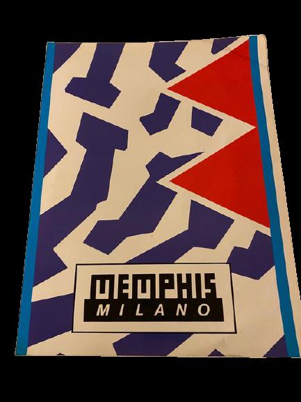 In asta Set di 8 Cataloghi della Memphis Milano completo di raccoglitore originale su design di Ettore Sottsass