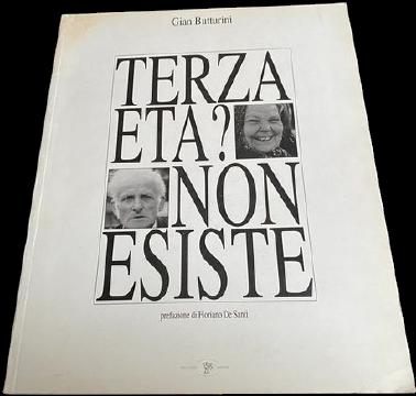In questo libro in asta la foto di Gian Butturini che ha fatto scandalo e ha creato un caso di razzismo nel 2019