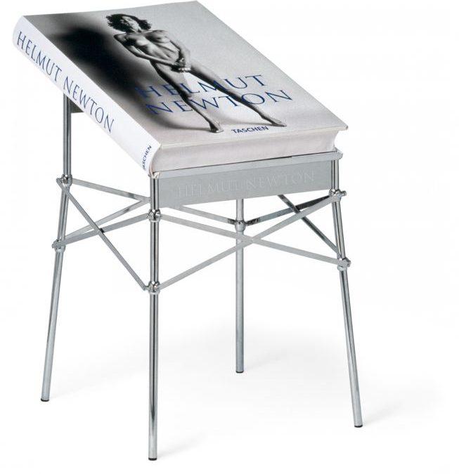 """""""Sumo"""": un libro da 30 kg: quando il genio di Helmut Newton incontra quello di Philippe Starck"""